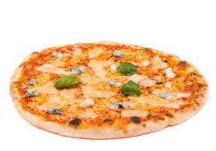 Pizza mit 4 Käse-Sorten aus dem Stuttgarter Osten